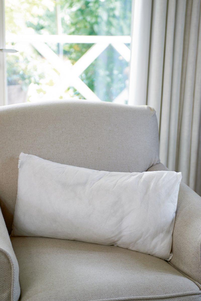 Rivi ra Maison – Feather Inner Pillow 60×30 – Kussenvulling – Wit – Veren